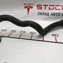 З/ч Тесла. Шланг системы охлаждения мотора Tesla model S RE, в Москве