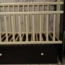 Продам детскую кроватку, в Хабаровске