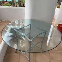 Продам стол стеклянный и 6 стульев, в г.Марбелья