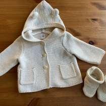 Комплект из свитера с капюшоном и пинеток baby GAP,3-6 мес, в Москве