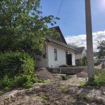 Продам частину будинку та земельну ділянку в місті, в г.Ровно