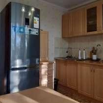 Продам кухонный гарнитур в хорошем состоянии, в г.Усть-Каменогорск