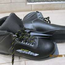 Продам лыжные ботинки, в Конаково