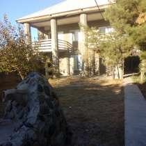 Дом двухэтажный, в г.Навои