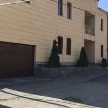 Двухэтажный дом в Ереване,квартал Ноя, в г.Ереван