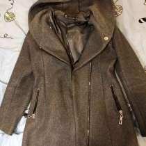 Пальто, в Пскове