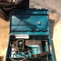 Продаю отбойный молоток б/у Makita HM1203C, в Дедовске