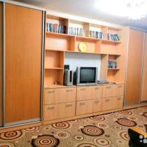Двухкомнатная в центре города с мебелью и техникой, в Белореченске