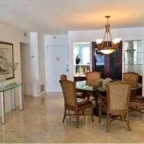 Квартира в Серфсайде на Коллинс-Авеню, в г.Майами