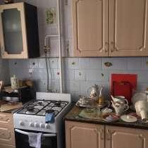 Продам КУХОННЫЙ ГАРНИТУР, в Челябинске