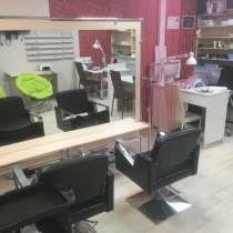 Сдам в аренду место мастера маникюра и парикмахера, в Биробиджане
