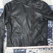 Куртка косуха Moschino, в Санкт-Петербурге