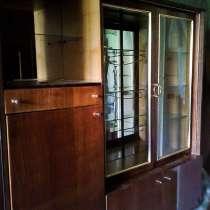 Сервант, шкаф для одежды Б/У в исправном состоянии, в г.Мариуполь