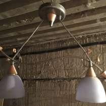 Продам потолочную люстру, в Комсомольске-на-Амуре