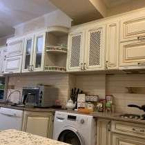 Продаю 3-х комнатную квартиру на 8 этаже, в г.Бишкек
