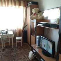 Квартира в кирпичном доме двухэтажная, в Калтане