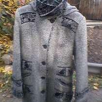 Продам новое молодежное пальто 44 р 800 руб, в г.Макеевка