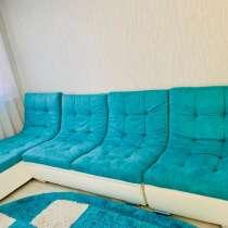 Продам диван с оттоманкой,в идеальном состоянии! Ткань бирюз, в Красноярске