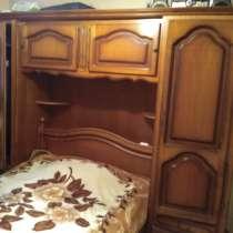 Продам старинный платяной шкаф, в Щербинке
