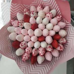 Букеты из ягод, шоколада и орехов, в Санкт-Петербурге