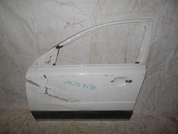 Передняя левая дверь на Volvo XC70