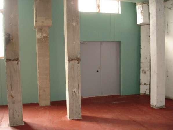 склад у метро. 125 кв. м