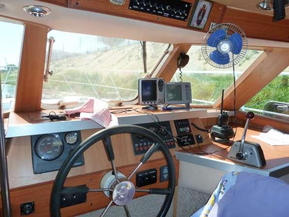 Моторная яхта-катер в Нижнем Новгороде фото 5