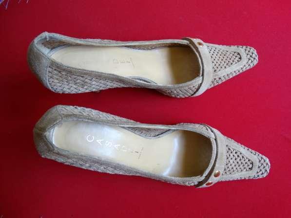 Продам обувь в Екатеринбурге