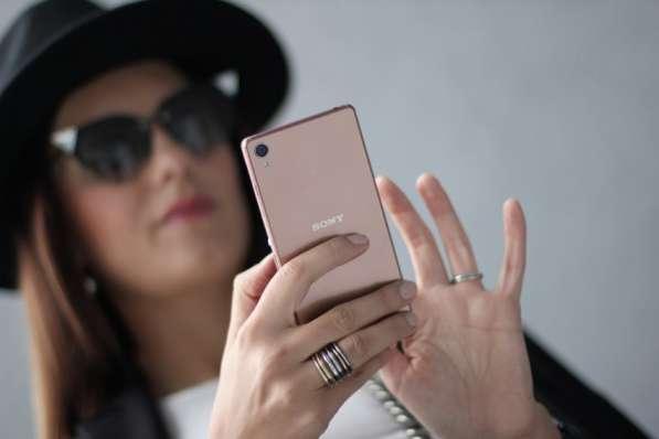 Смартфон Sony Xperia Z3+ Dual (E6533) в фото 3