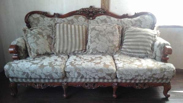 Мягкая мебель из натурального дерева