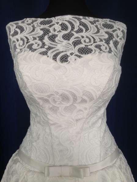 Кружевное свадебное платье+фата и подвязка в подарок