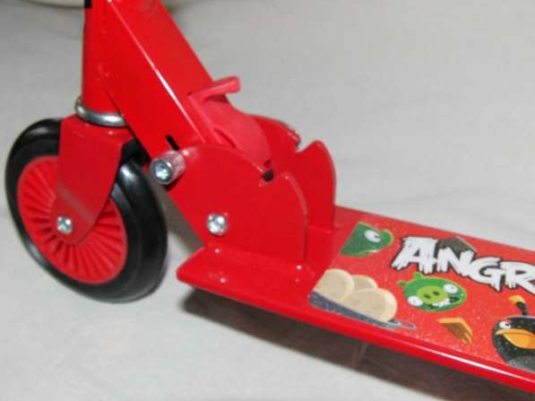 Самокат двухколесный 125 мм Angry birds ,красный