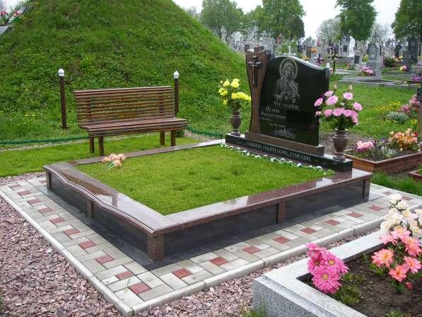 Благоустройство могил и установка памятника Солигорск в