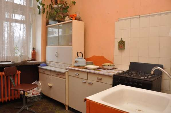 Сдаю комнату (16 кв.м.) с балконом в «сталинке» на Пушкина