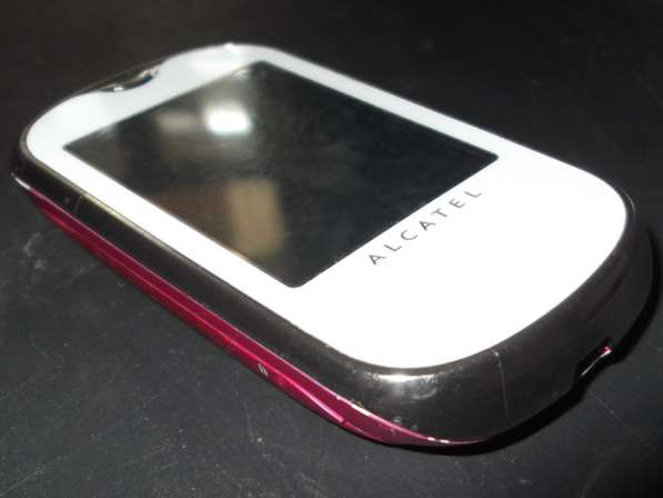 Сенсорный телефон Alcatel One Touch 708 (OT-708)