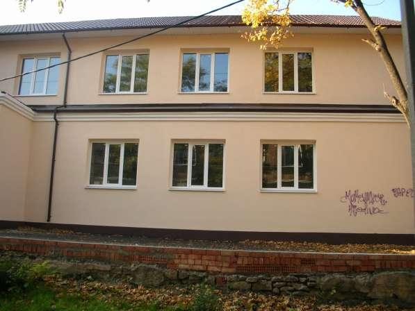 Двухэтажное здание, с подвалом-1050 кв. м, з. уч. 1570 кв м