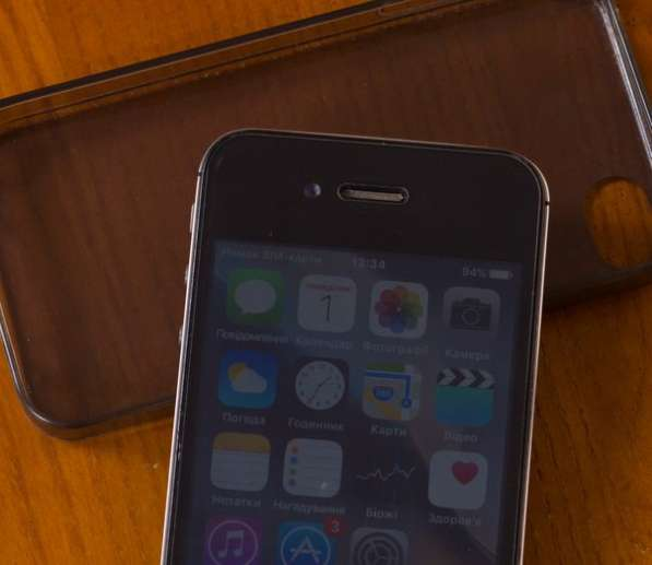 Apple iPhone 4S 32 Black продам или обменяю на планшет