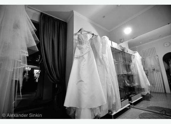 Свадебное платье (шляпка и клатч в подарок) в Томске фото 4