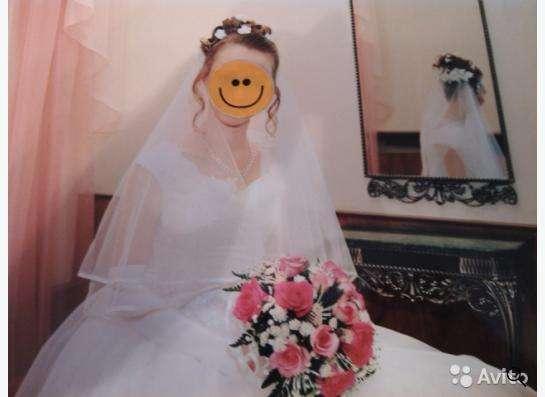 Свадебное платье с аксессуарами в Уфе