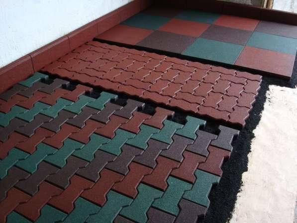 Резиновое покрытие наливное, модульное, рулонное для площадо