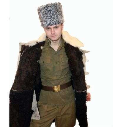 Бекеша армейская белого цвета