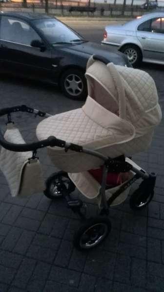 Продам детскую коляску 3 в 1 в хорошем состоянии