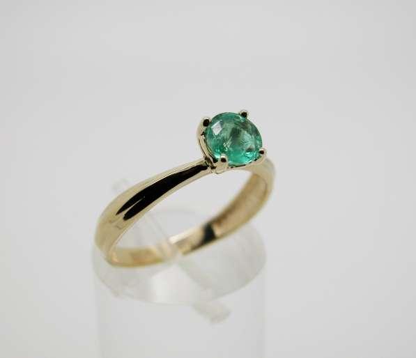 Золотое кольцо с круглым Изумрудом в Москве фото 4