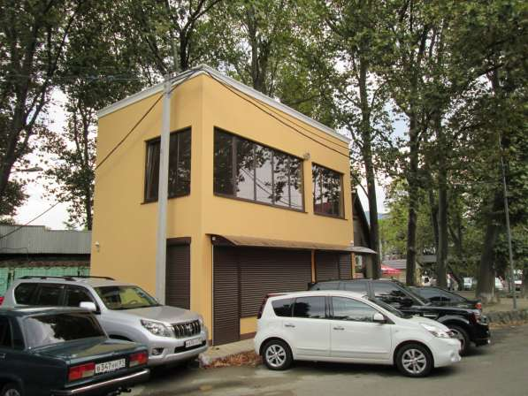 Административное здание в центре Туапсе