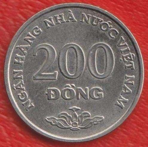 Вьетнам 200 донг 2003 г.