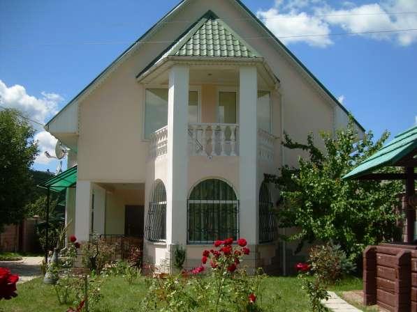 Продам 3х этажный дом (180 м2, земля-15 соток) в с. Поляна