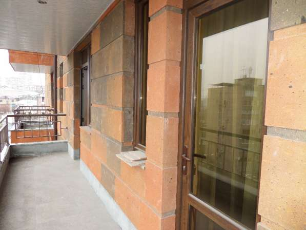 Уютная светлая квартира В Ереване;Новостройка,2 комнатная в фото 8