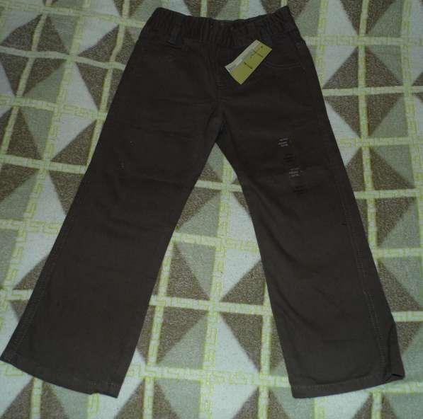 Брюки новые с этикетками р.110/116 под джинсы плотный матери