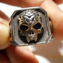 Готическое кольцо, в Санкт-Петербурге
