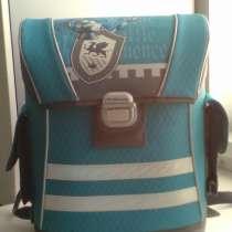 Продам портфель школьный, в Челябинске